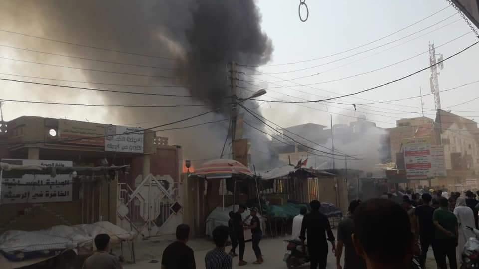 اندلاع حريق في سوق صغير لبيع الملابس بمدينة الرميثه